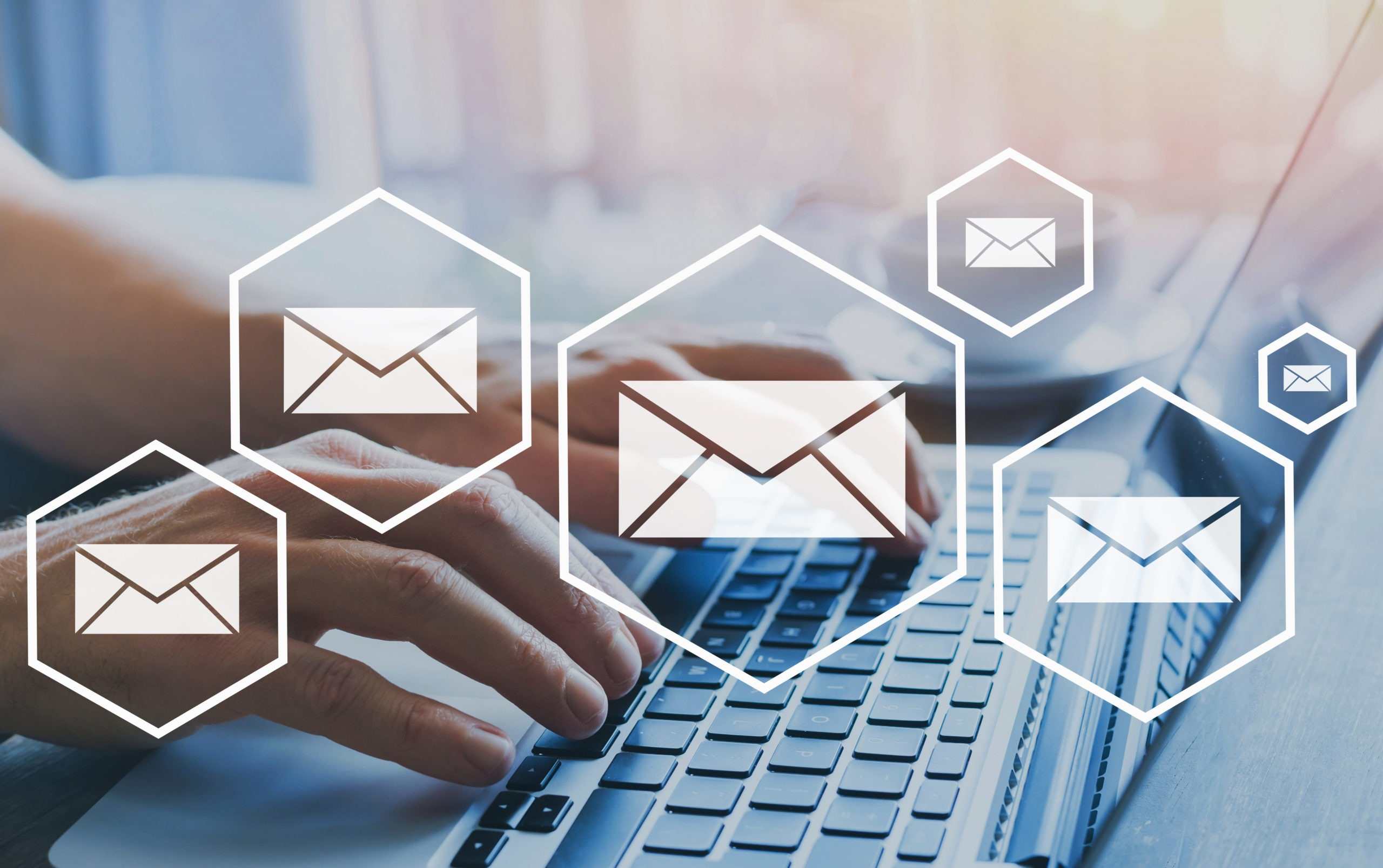 poczta e-mail na komputerze